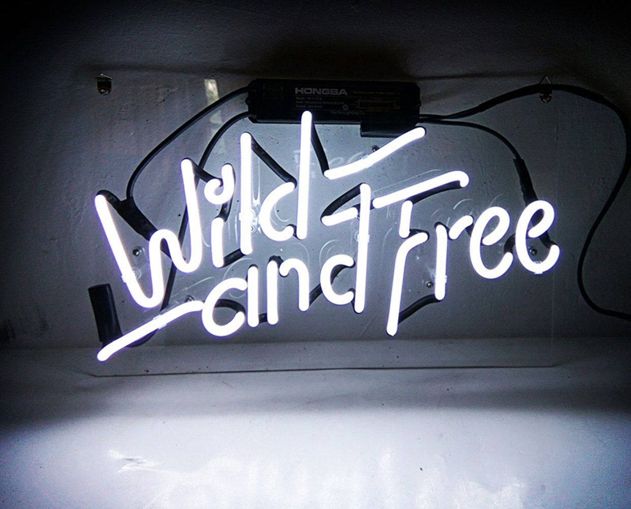 New Beer Bar Neon Signs 'Wild and Free' for Pub Home Hotel Decor Beach Cocktail Recreational Game Room Windows Garage Wall Signs 14'' x 8''