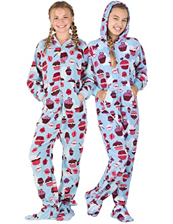 1968f05a388b Amazon.com  Footed Pajamas - Blue Cupcakes Kids Hoodie Fleece Onesie ...