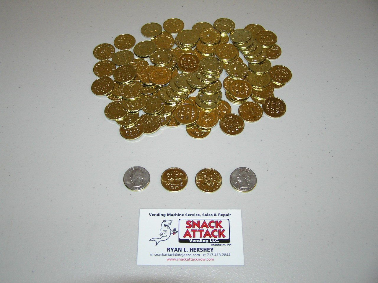 (100) Amusement Vending Machine 0.984 Tokens or Coins - Gold Plated /! by Snack Attack Vending
