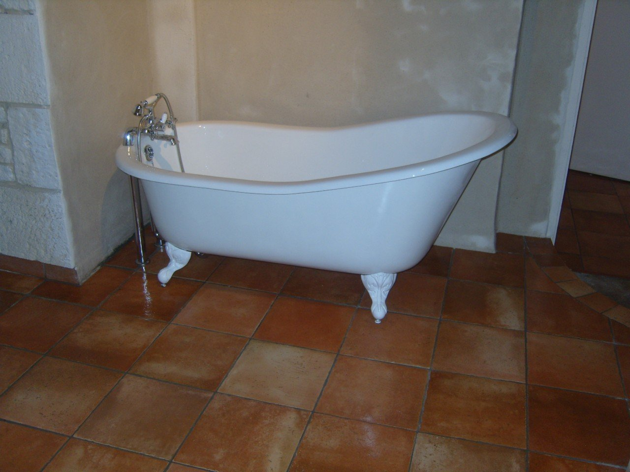 Dublin Cast Iron Free Standing Slipper Bath - free delivery to all ...
