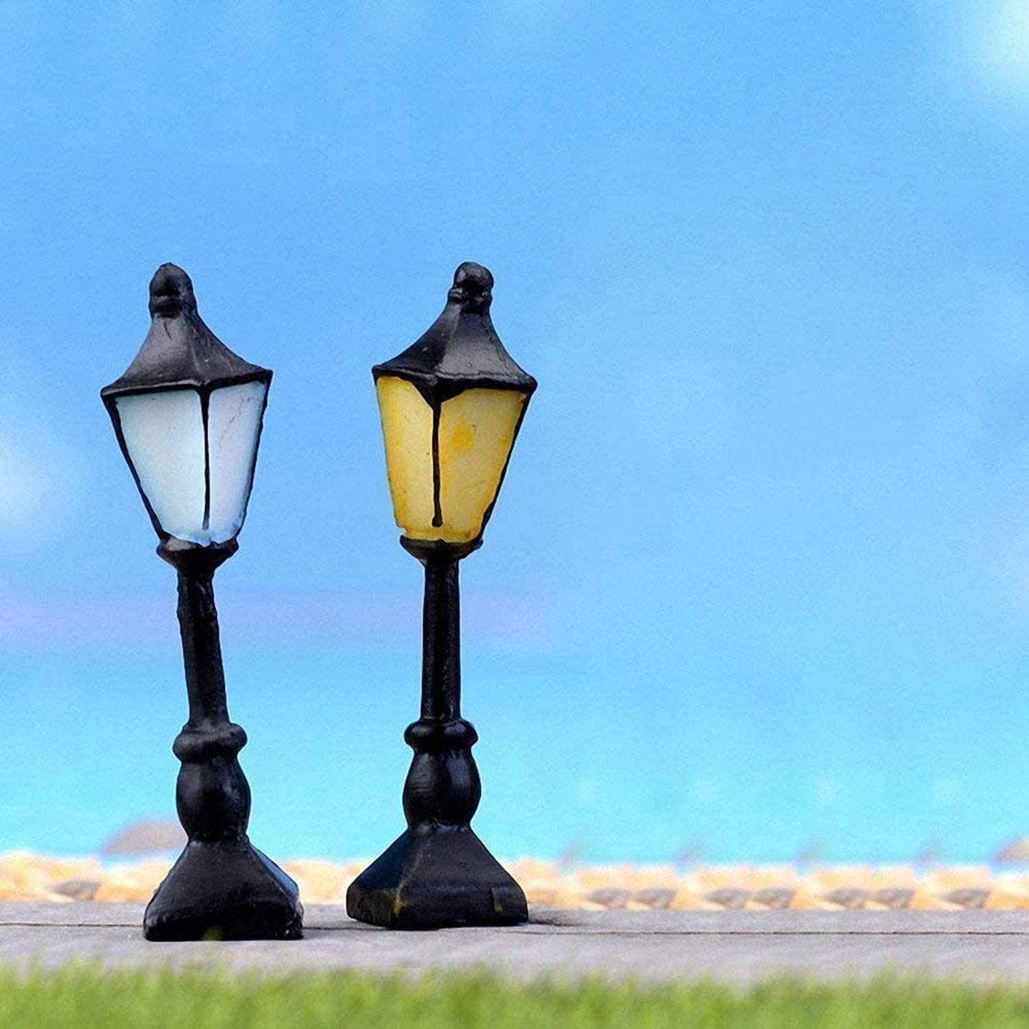 2 Pcs Streetlight /& 1 Pcs Retro Postbox Moligh doll 3 Pcs Miniature Dollhouse Crafts Fairy Garden Ornament Outdoor Home Decoration
