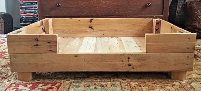 Amazon com: Rustic Hand Painted Handmade Reclaimed Pallet Wooden Dog