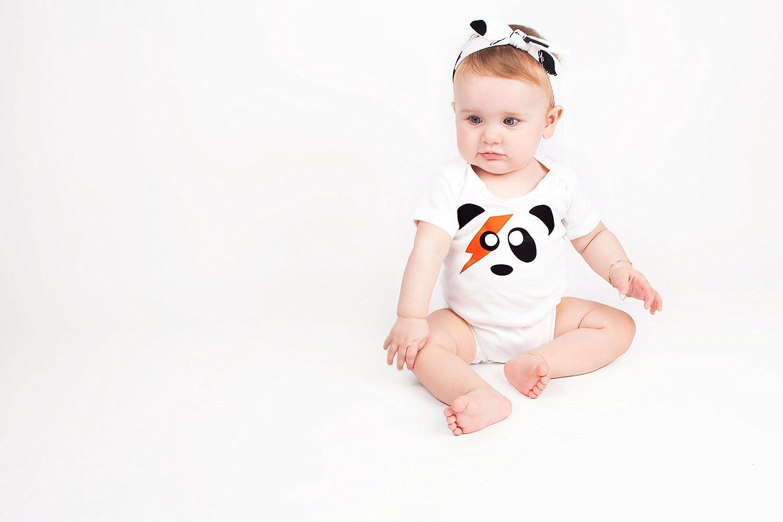 David Bowie-Geschenk f/ür Babys wei/ß wei/ß 0-3 Monate f/ür Jungen und M/ädchen Ziggy Stardust s/ü/ßer Baby-Bodysuit//Strampler mit Panda-Motiv von Baby Moos