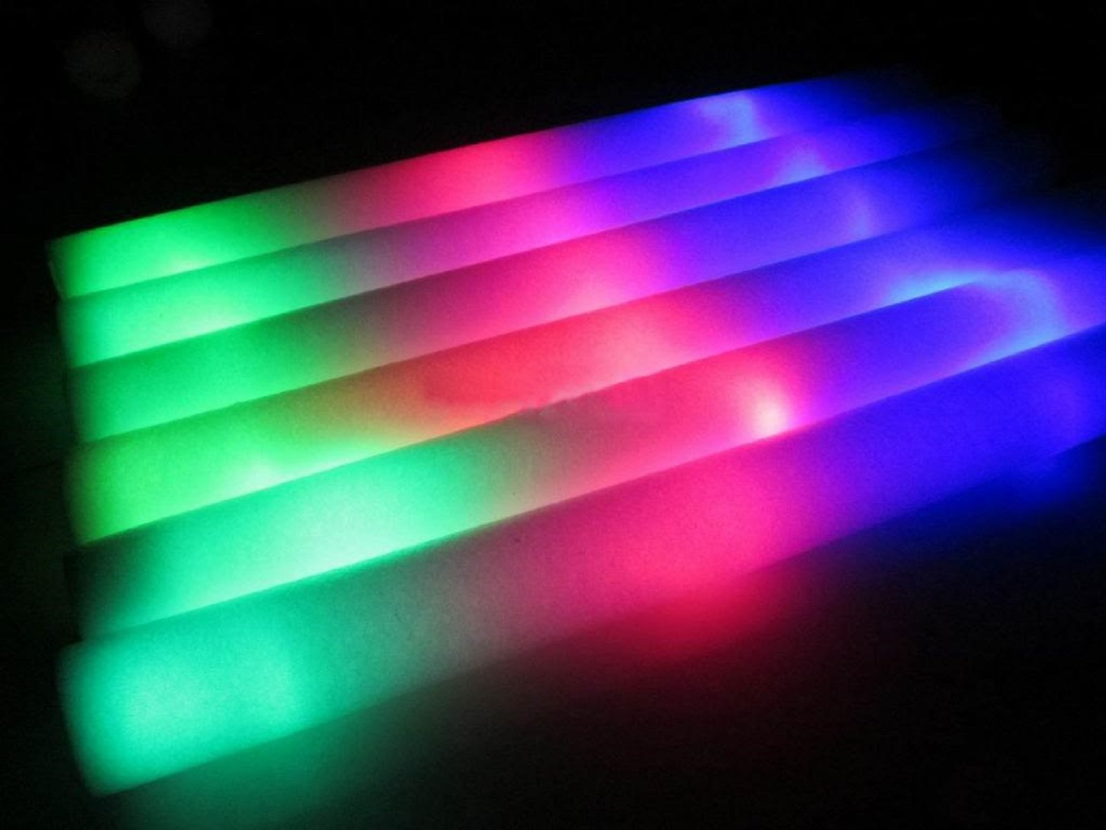 100 Pack of 18 Inch Multi Color Flashing Glow LED Foam Sticks, Wands, Batons - 3 Modes Multi-Color - Party Flashing Light DJ Wands, Concert, Festivals, Birthdays, Party Supplies, Weddings, Give Aways by JY Premium (Image #6)