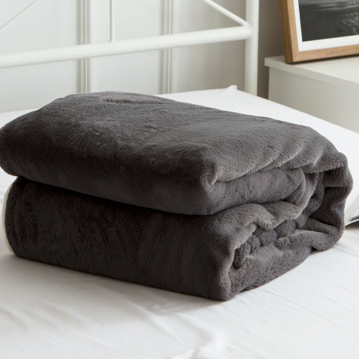 Qbedding Inc. Qbedding Fuzzy Soft Reversible Solid Color Velvet Plush Blanket Grey Twin