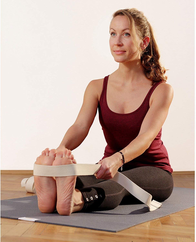 Amazon.com: Lotuscrafts - Correa de yoga para estiramiento y ...