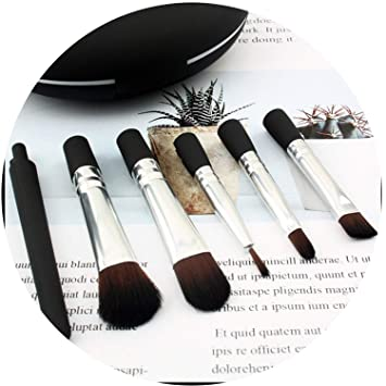 Facial fan brushes casually found