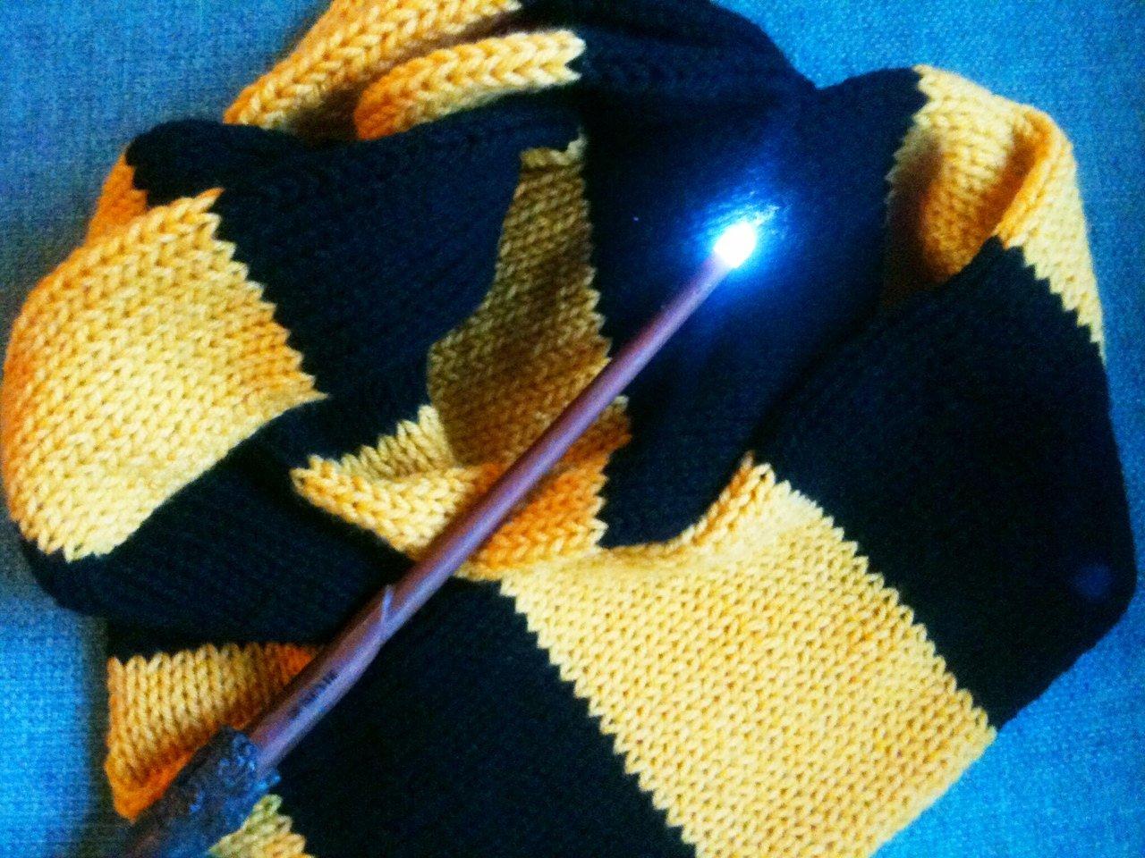 Amazon.com: Handmade Knit Hufflepuff Scarf Hogwarts: Handmade