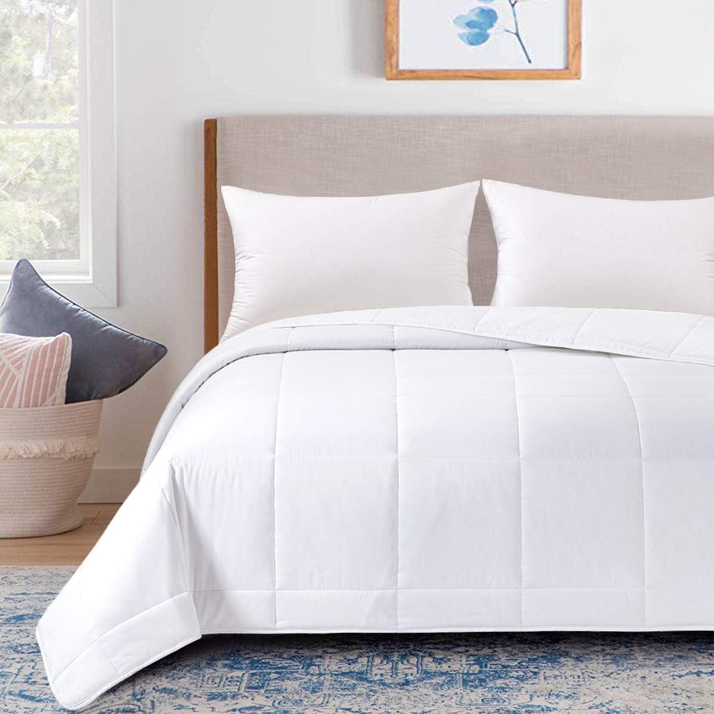 "HOMBYS Lightweight King Size Microfiber Down Alternative Blanket (White,90"" x 108"")"