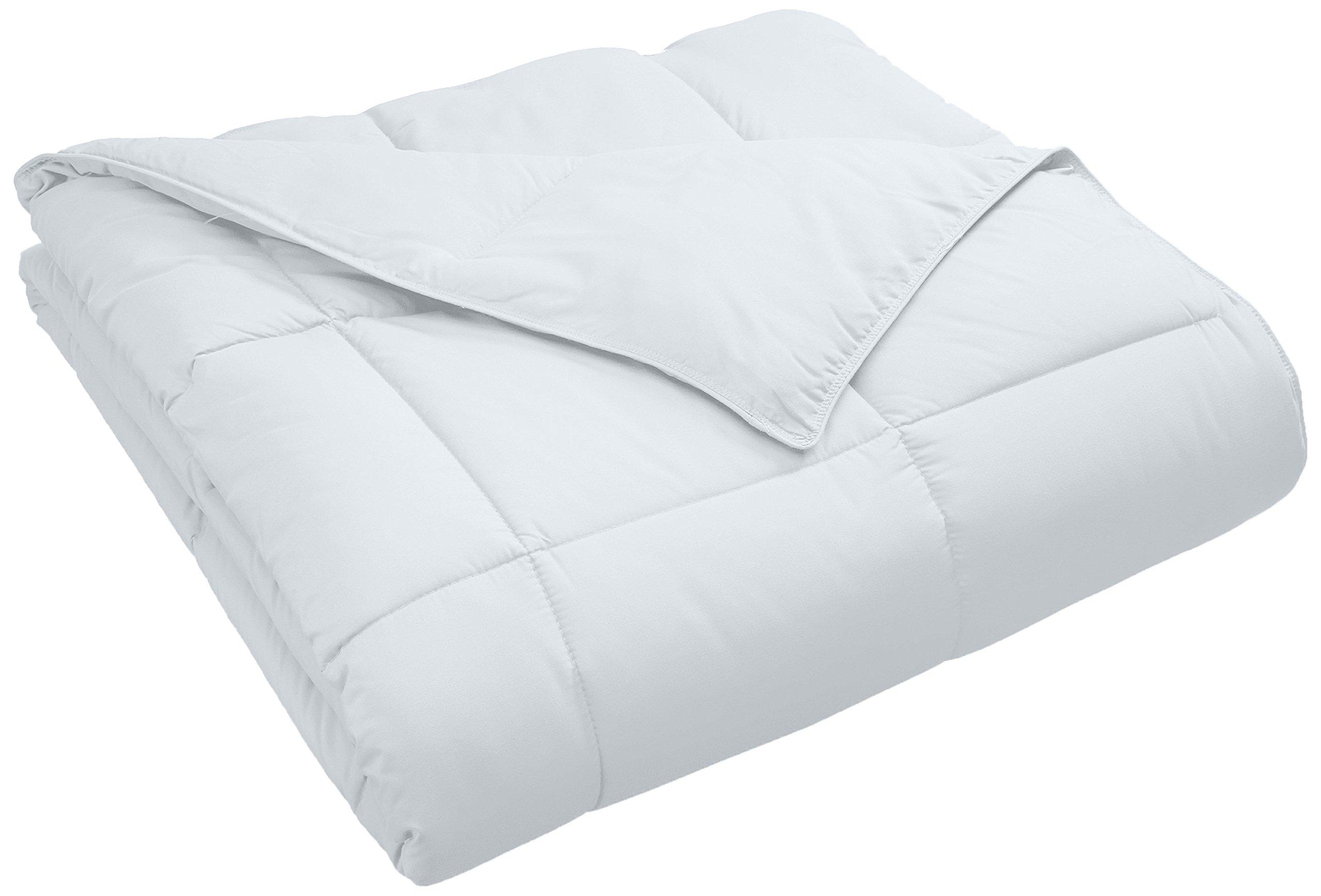 Superior Classic All-Season Down Alternative Comforter with Baffle Box Construction, Warm Hypoallergenic Filling - Twin Comforter, White