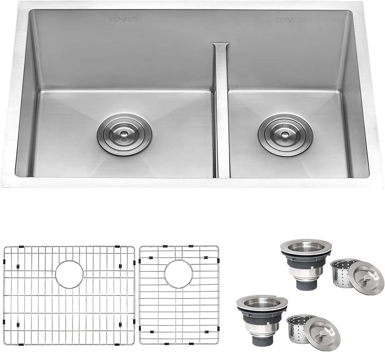 Undermount kitchen sink for granite countertop