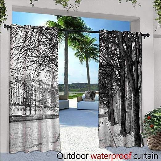 Cortina de privacidad para exteriores en blanco y negro para pérgola paraguas rojo en una calle