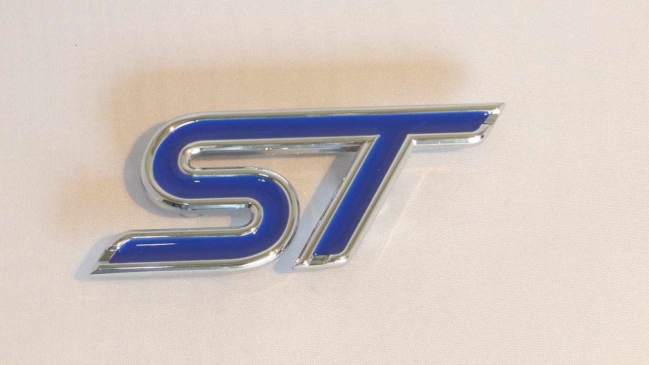 Insignia metálica ST para parrilla de coche con herrajes ...