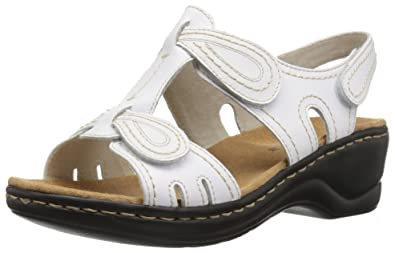 6be6ad2e7a55 CLARKS Women s Lexi Walnut Platform White 5.5 Medium US