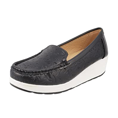 MOCHI Women s Loafers  Buy Online at Low Prices in India - Amazon.in 508a3d8ec0