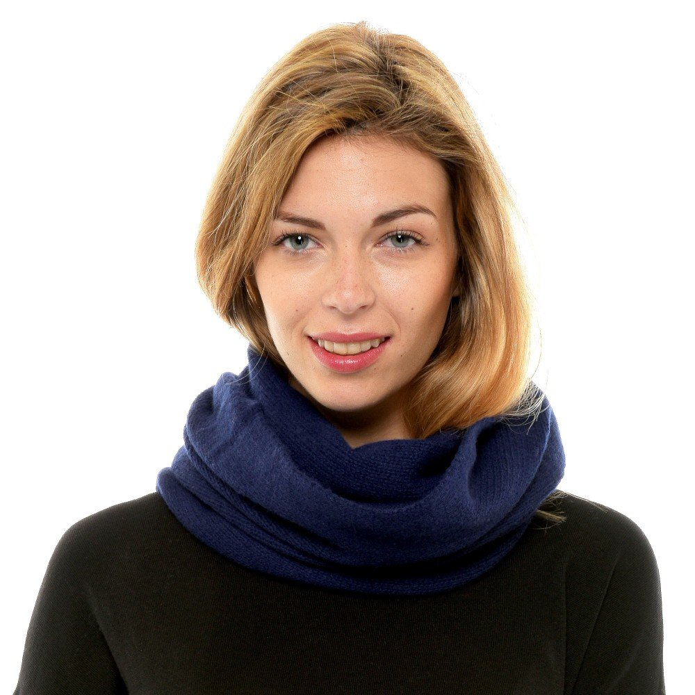 de6d7d8a228 Womens 100% Cashmere Snood 4 Plys Volume Classics - Blue Navy  Stephanie  Ducauroix  Amazon.co.uk  Clothing