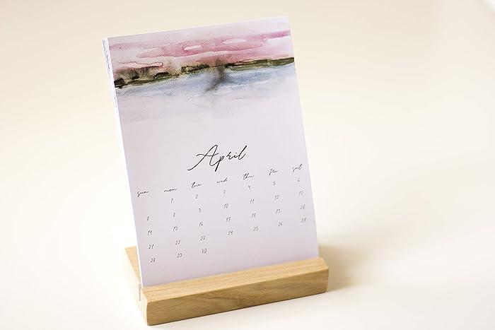 amazon com 2019 mini desk calendar desktop calendar with wooden