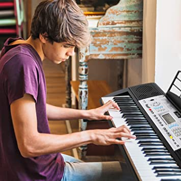 Mugig MLS-939 Piano Electrico de 61 Teclas con Pantalla LCD multifunción, micrófono y soporte para Atril, 500 timbres, 300 ritmos, 40 repertorios de ...