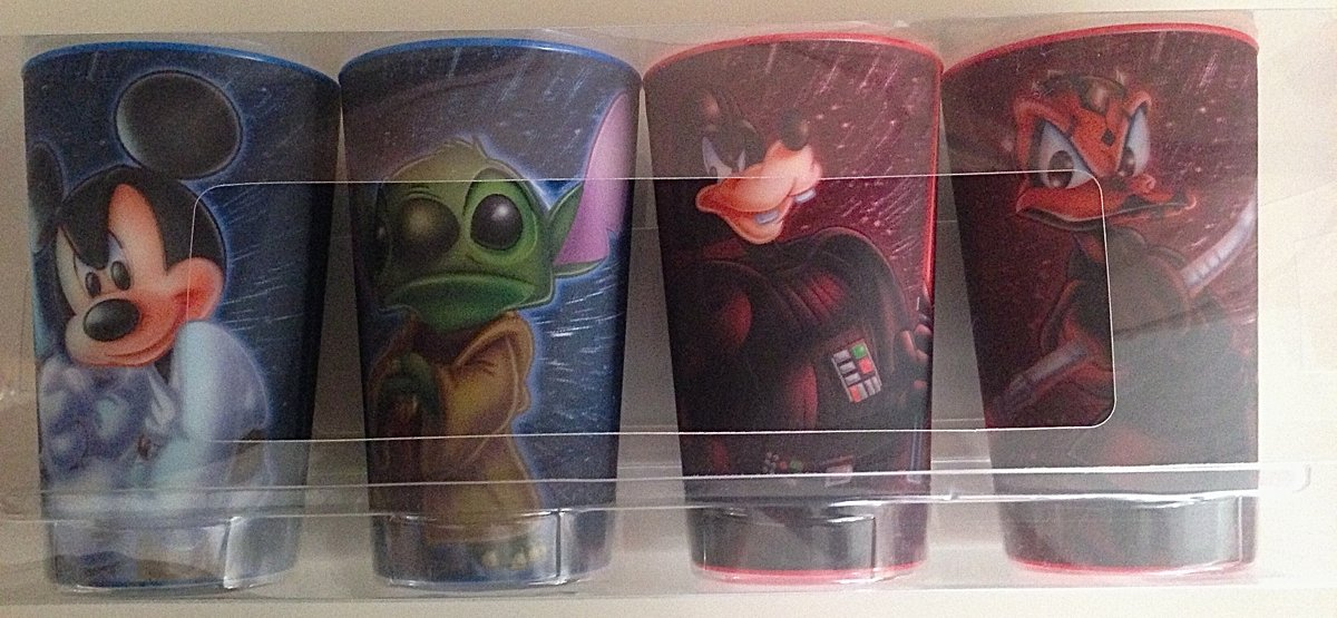 Disney Star Wars Mickey Jedi, Goofy Vader, Yoda as Stitch, and Donald Duck as Darth Maul Lenticular 3D Plastic Cup Set of 4 NEW