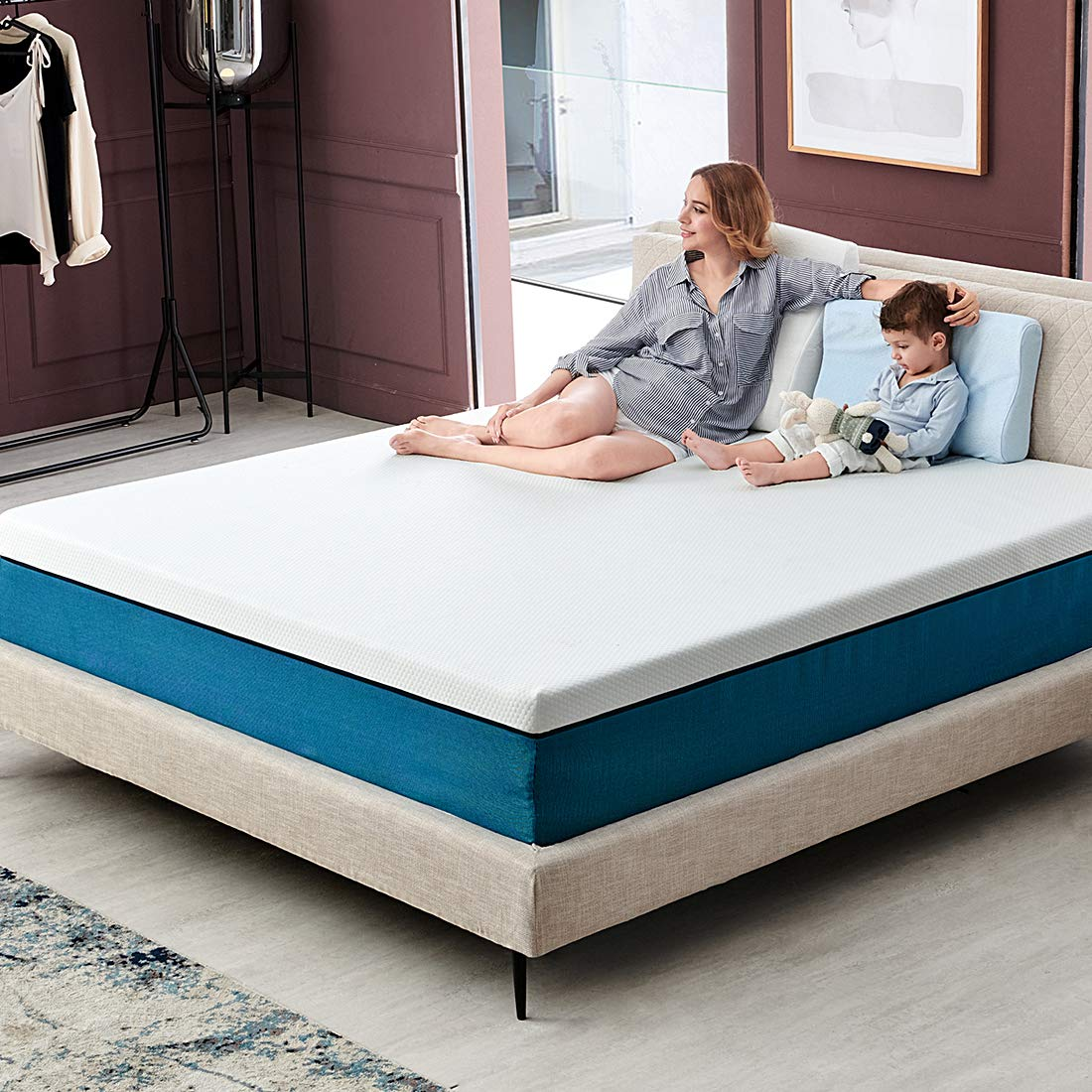Queen Size Mattress, Molblly 10 inch Cooling-Gel Memory Foam Mattress in a Box, Breathable Bed Mattress with CertiPUR-US Certified Foam for Sleep Supportive & Pressure Relief, 10 Year Warranty by Molblly
