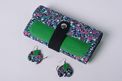 Conjunto de accesorios artesanales de carteras de tela y pendientes originales