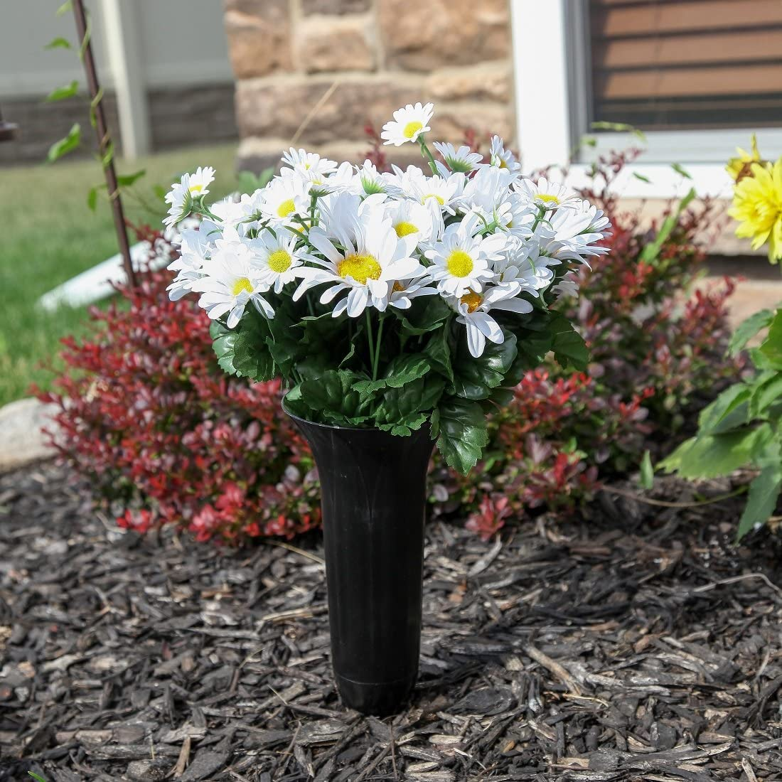 Home-X Fluted Lawn and Garden Vase Stake In Ground Vase for Lawn or Memorial