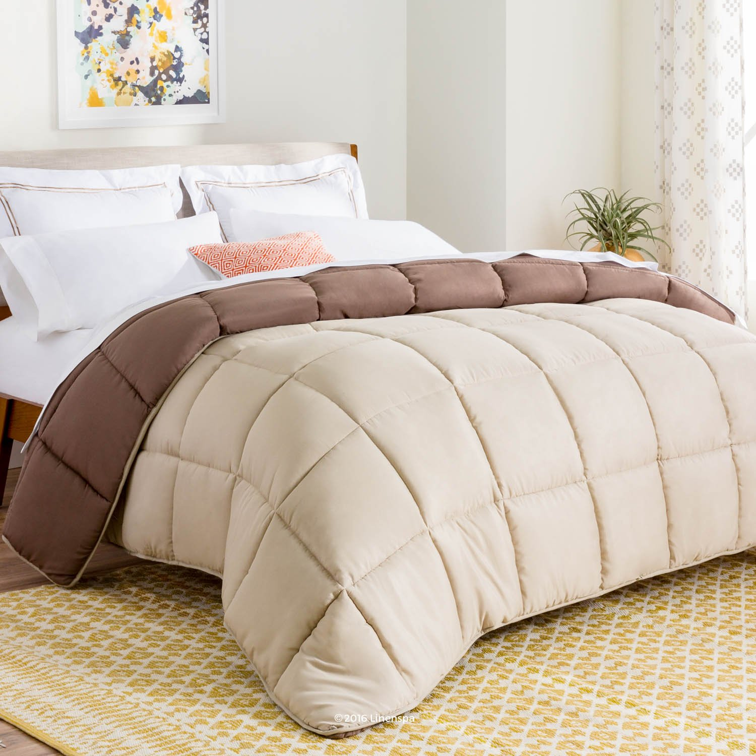 LINENSPA All-Season Reversible Down Alternative Quilted Comforter - Corner Duvet Tabs - Hypoallergenic - Plush Microfiber Fill - Box Stitched - Machine Washable - Sand/Mocha - Oversized King LS70OKSAMOMICO