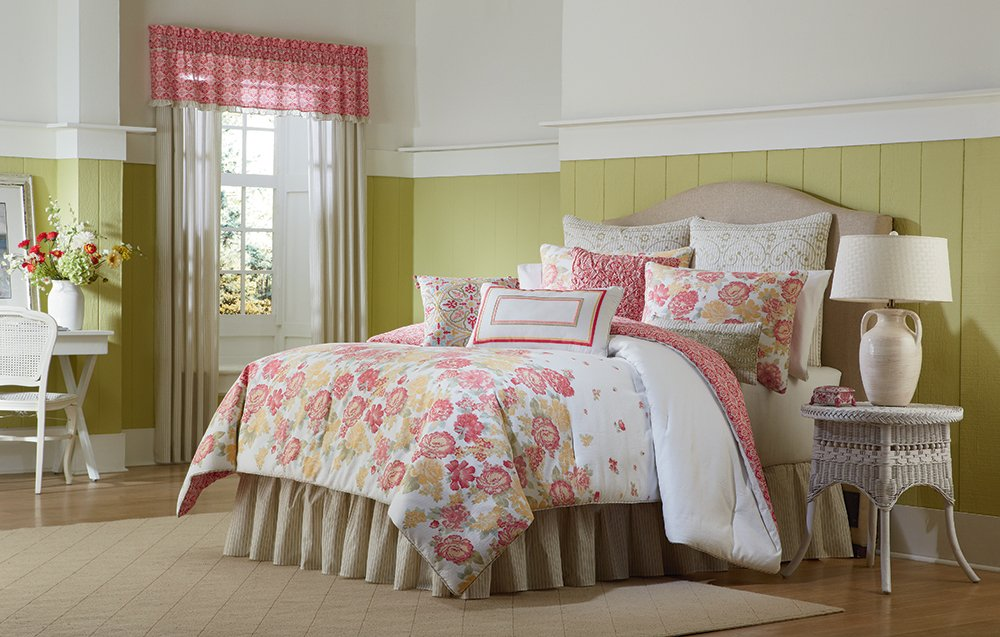 MaryJane's Home Garden View Comforter Set