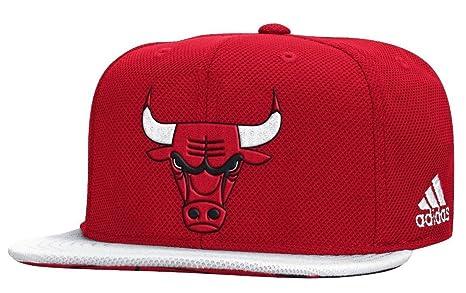 Adidas Youth Chicago Bulls Authentic Draft Cappello NBA Ufficiale della  Corte Snapback 4bf9cffadabc
