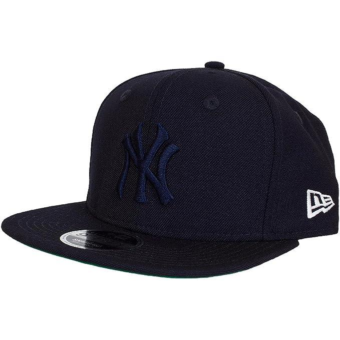 New Era New York Yankee Navy Blue Oversize Logo 9Fifty Strapback Hat