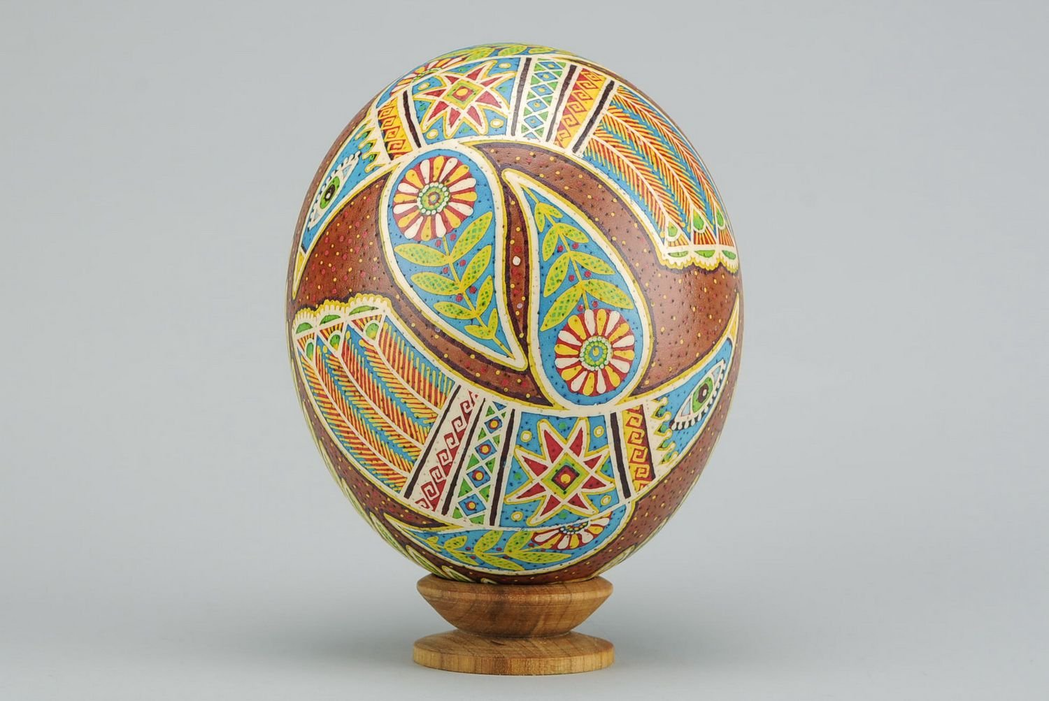 Painted Handmade Easter Egg ''Dance of Love'' Holiday Decoration by MadeHeart   Buy handmade goods (Image #3)