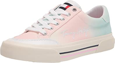 Tommy Hilfiger Women's Twethan Sneaker
