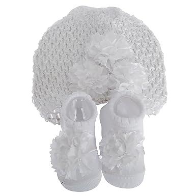 9c23c1604b40 Nursery Time - Ensemble cadeau chaussons et bonnet - Bébé fille (0-6 mois)  (Blanc)  Amazon.fr  Vêtements et accessoires