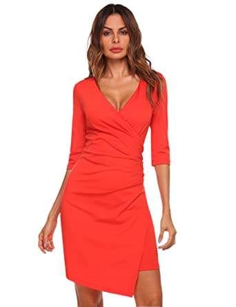 Kleid v ausschnitt knielang