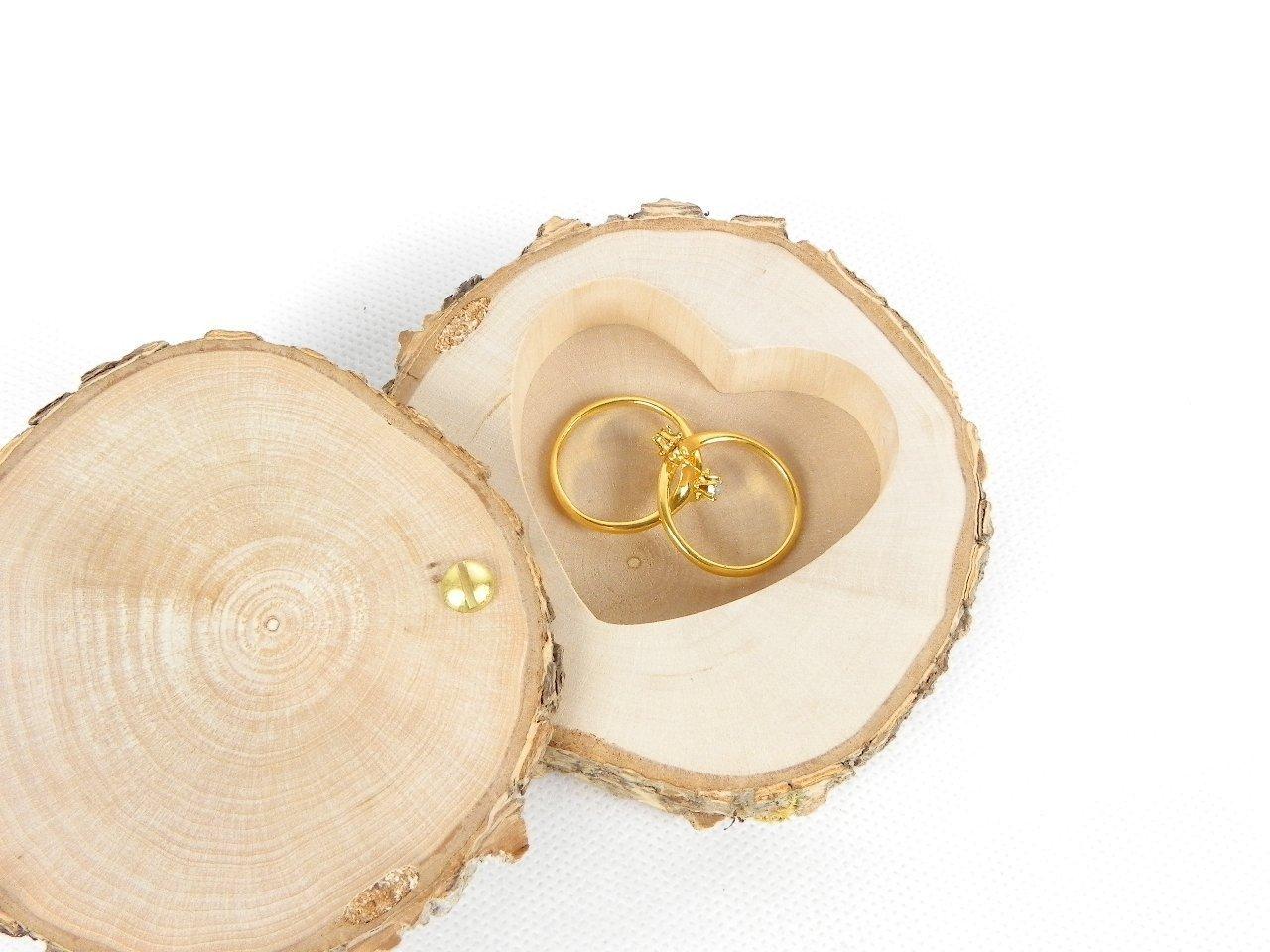 Porte alliances rustique en bois bo/îte /à alliances personnalis/ée fait main dans une tranche de bois pour mariage sur le th/ème nature champ/être