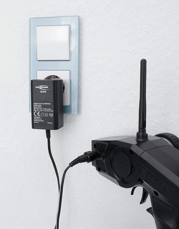 ANSMANN ACS 48 - Cargador para baterías NiMH de 4-8 celdas, cargador RC con 8 conectores de salida diferentes y adaptor Tamiya