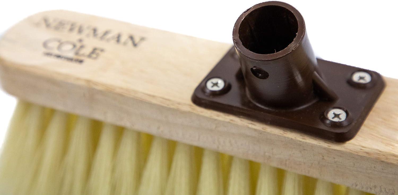 con staffa di fissaggio in plastica per interni con setole morbide Newman and Cole Testa di scopa in legno con setole sintetiche morbide di ricambio per scopa da cucina