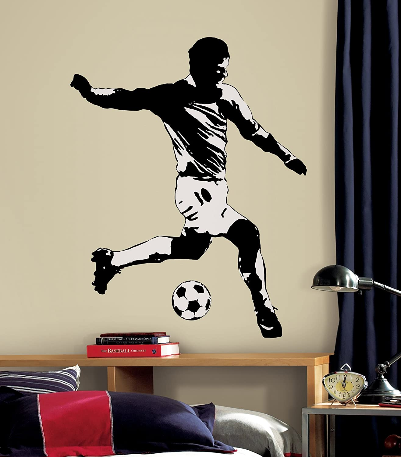 Awesome RoomMates Repositionable Wall Stickers   Football Player: Amazon.co.uk:  Kitchen U0026 Home Part 30