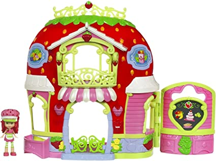 Amazon Com Strawberry Shortcake Berry Bitty Market Playset Toys