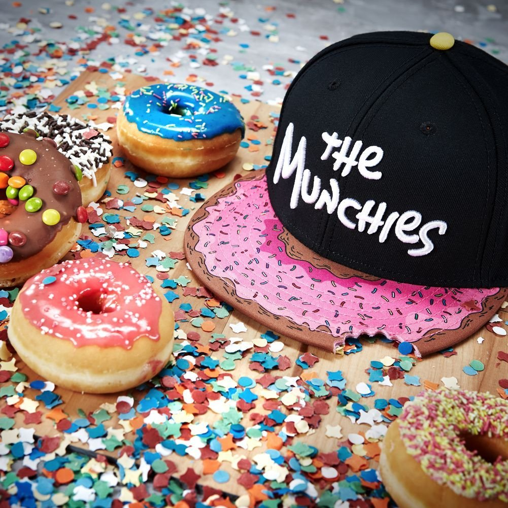 Cayler And Sons C S Mens The Munchies Simpsons Black Snapback Baseball Hat  Cap  Amazon.co.uk  Clothing d03b67231f8