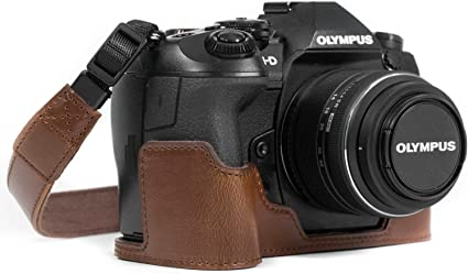 Megagear Ever Ready Leder Kamera Halbtasche Mit Trageriemen Kompatibel Mit Olympus Om D E M1 Mark