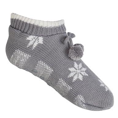 0d32ac1b9efb3 Paire de chaussons tricot Norvégien pour femme avec ABS - 2 couleurs au  choix - Qualité