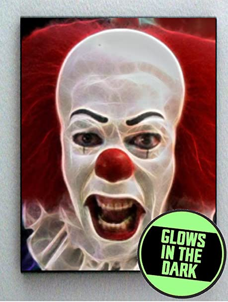 amazon com pennywise it scary creepy clown glow in the dark framed