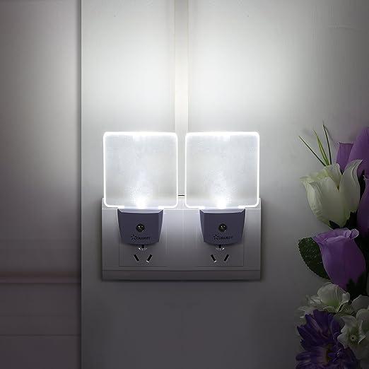 Night Light Plug in LED Night Light Wall Lamp w// Dusk to Dawn Sensor White 0.5w