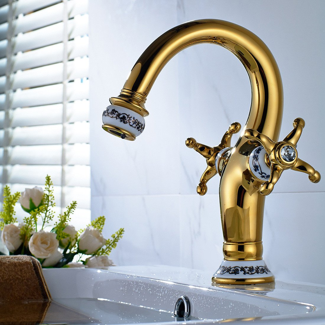 30 LHbox Basin Mixer Tap Bathroom Sink Faucet The golden basin Faucet 67