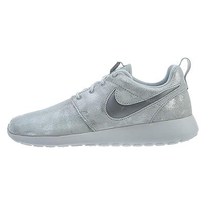 Nike Women's Roshe One Premium Shoe, Metallic, Multicolor, Size 6.0   Fashion Sneakers