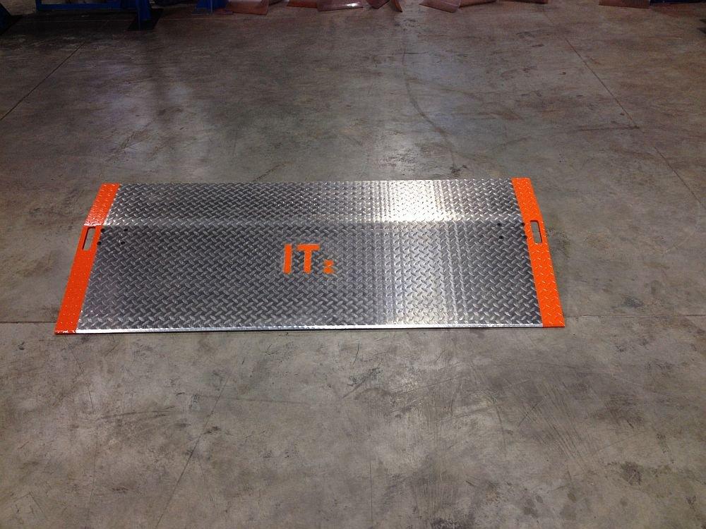 Heavy Duty Aluminum Loading Dock Plate 36'' x 36'' 4,461 lb Weight Capacity
