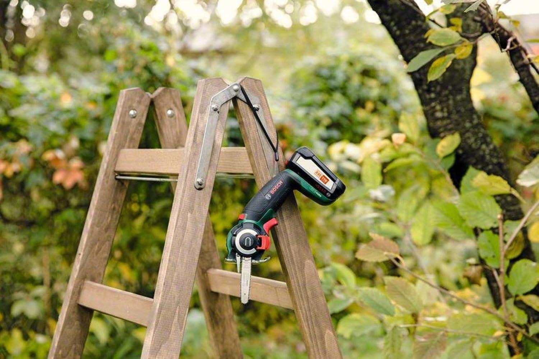 Bosch Entfernungsmesser Zamo Weu Tin Box : Bosch akku säge advancedcut ohne volt system im