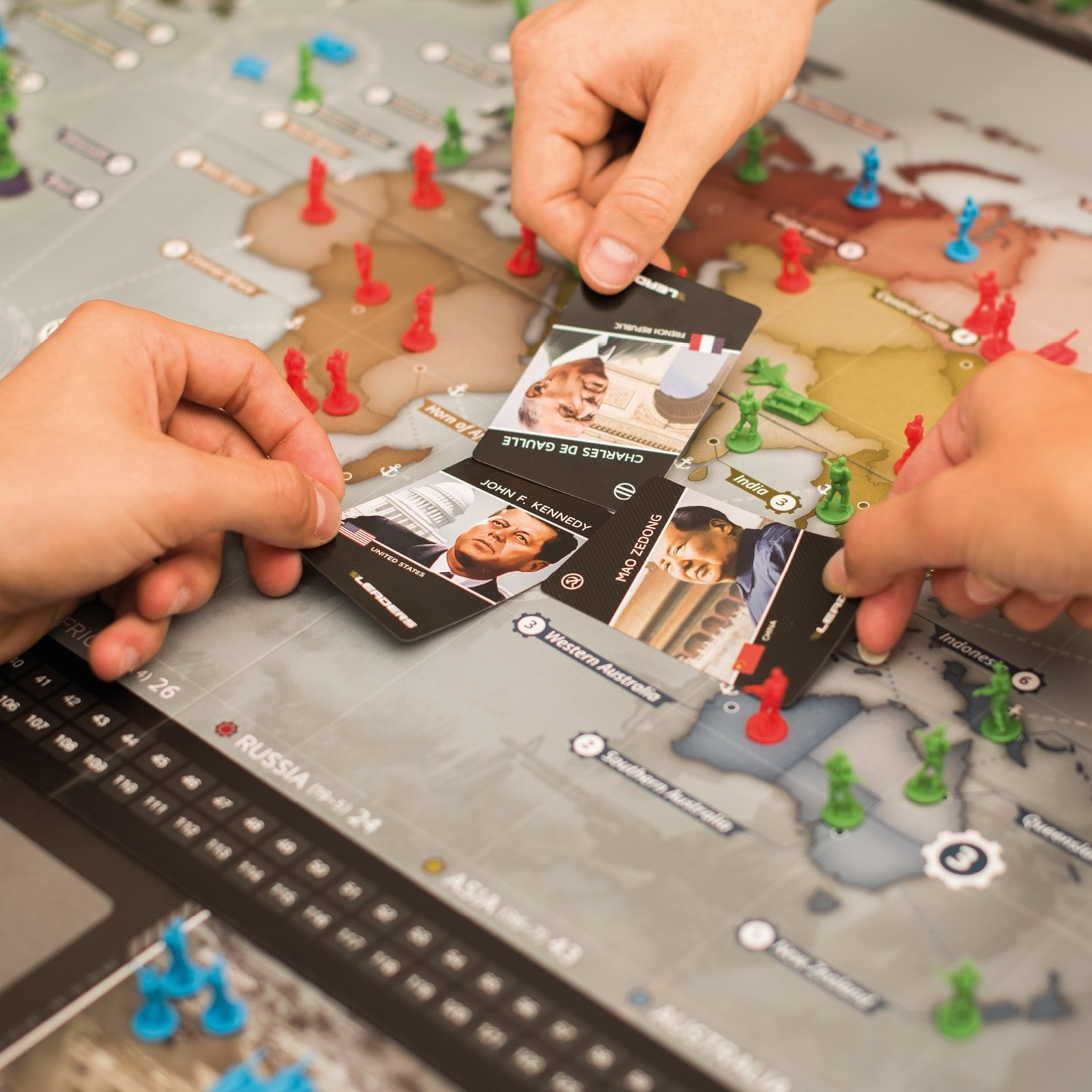 Rudy Games - Leaders 2019 - Interactive Cold War Strategy Board Game with App - for Children 10 Years and Up and Adults by Rudy Games (Image #4)