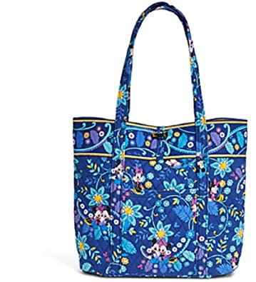 a523a7416a Amazon.com  Vera Bradley Mickey and Minnie Mouse Disney Dreaming Tote Blue  Multi  Shoes